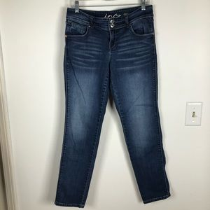 INC DENIM STRAIGHT LEG CURVY FIT JEAN
